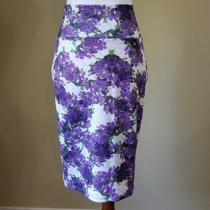 LulaRoe Skirt Sz S Purple White Floral Bodycon